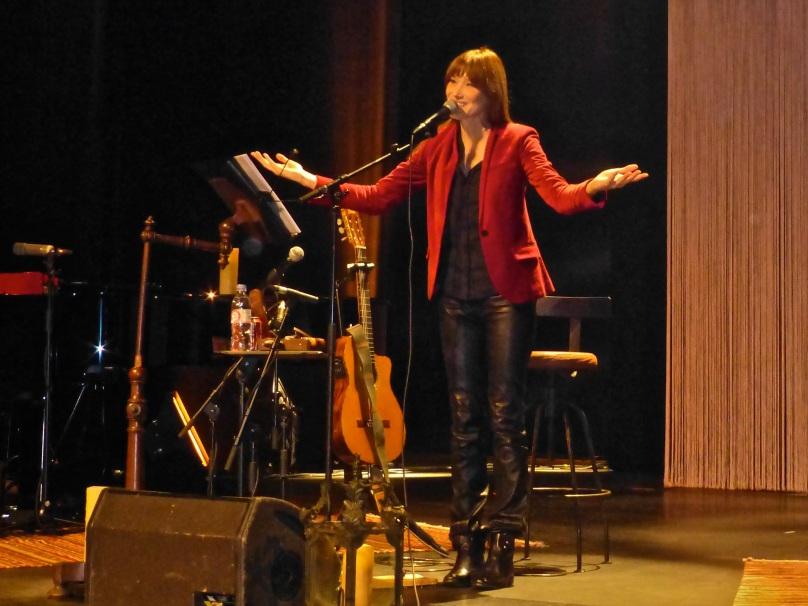 Carla saluting her public