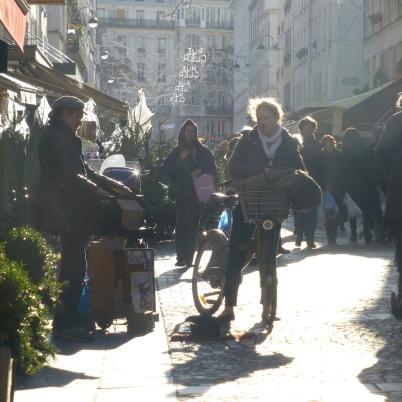 Street Organist on rue Le Cler