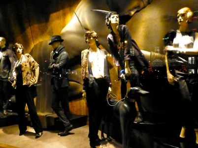 Window mannequins, 8th Paris