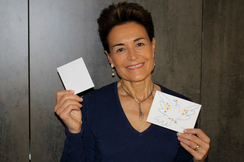 My selfie with white card for Peace