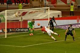 Failed goal attempt from Berbatov
