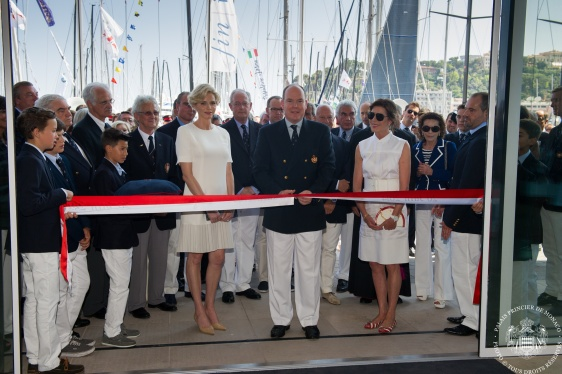 Cutting the ribbon at the new YCM (copyright Carlo Borlenghi)