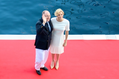 HSH Prince Albert and HSH Princess Charlene saluting the club members (copyright Celina LdL)