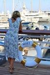Summer dress and Moet (@Celina Lafuente de Lavotha)