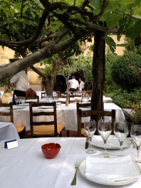 Calm before the lunch service at la Colombe D'Or @CelinaLafuenteDeLavotha