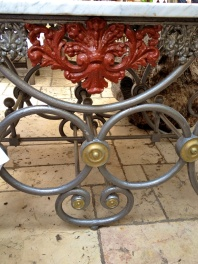 Detail of patio table @CelinaLafuenteDeLavotha
