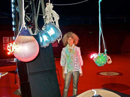 Owanto with her installation Let there be LIght @CelinaLafuenteDeLavotha