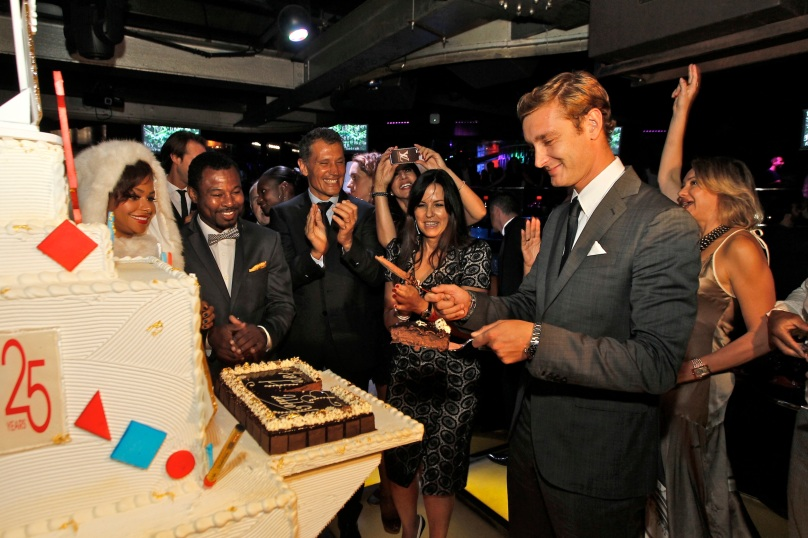 Pierre Casiraghi cutting the 25th year anniversary cake @Sportel 25 Years