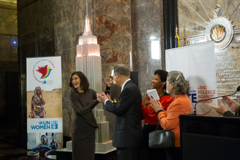 Secretary General Ban Ki-Moon with actress Teri Hatcher, Mrs. Yoo Soon-taek, Phumzile Mlambo-Ngcuka, Ex. Dir. of UN Entity for Gender Equality and the Empowerment of Women