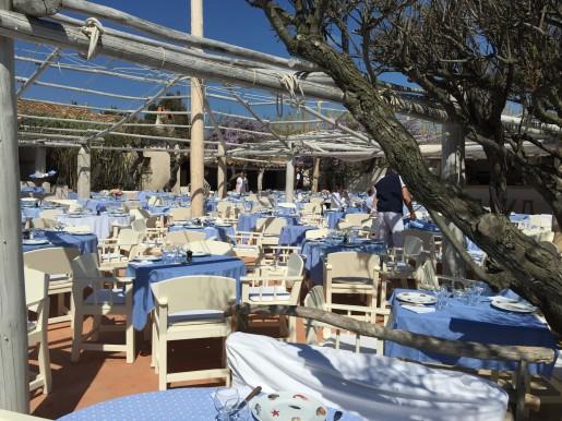 Sun kissed tables at Le 55 @CelinaLafuenteDeLavotha
