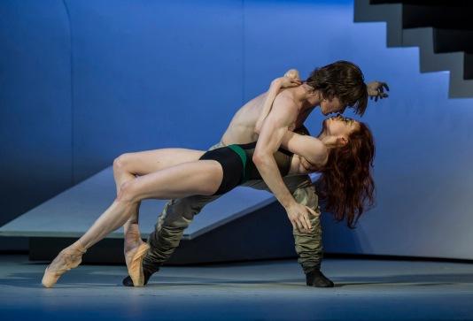 Vladislav Lantratov (Petruchio) and Ekaterina Krysanova (Katherina) in The Taming of the Shrew @Alice Blangero