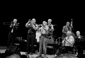 Woody Allen and his buddies playing an encore at the Salle Garnier in Monte-Carlo @CelinaLafuenteDeLavotha