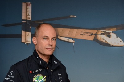 Bertrand Piccard with Si2 on the background @Charly Gallo 2015