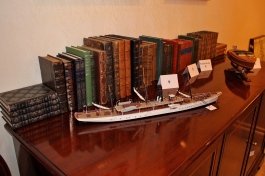 Books and other memorabilia in Churchill's Suite @CelinaLafuenteDeLavotha