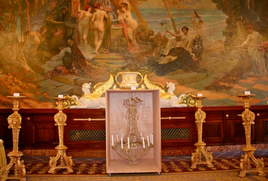 Chandelier Louis XV style and a set of four Louis XIV style gilt wood door flares @CelinaLafuenteDeLavotha