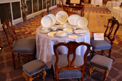 Furniture and Constellation-Le Grill set of dishes @CelinaLafuenteDeLavotha