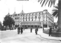 Hotel de Paris after its reopening in 1910 @Jacques Enrietti / Archives Society des Bains de Mer