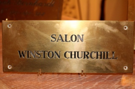 Salon Winston Churchill brass sign @CelinaLafuenteDeLavotha
