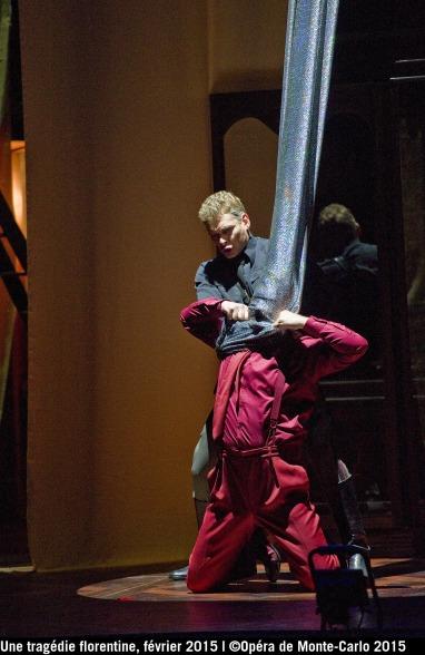 Simone strangling Guido Bardi @OMC
