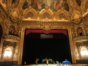 The stage at the Salle Garnier before the concert @CelinaLafuenteDeLavotha