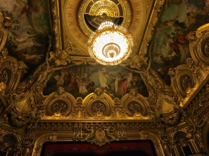 The splendid chandelier in the Opera Garnier in Monte-Carlo @CelinaLafuenteDeLavotha
