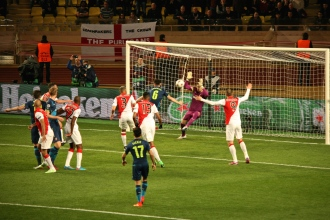 A save by Subasic after a shot by Koscielny @CelinaLafuenteDeLavotha