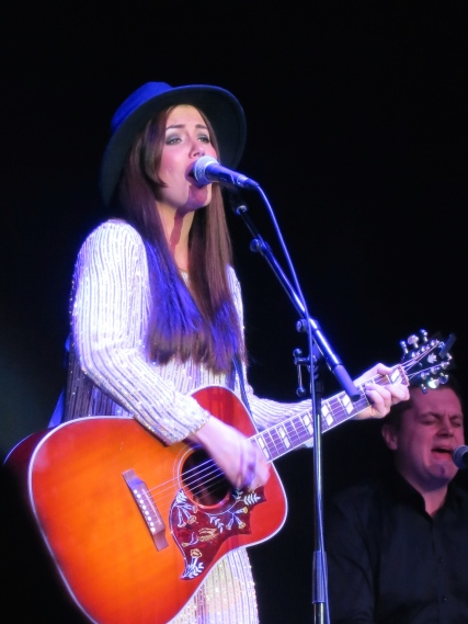 Marion Raven playing the guitar and singing in the Salle des Etoiles at the Sporting in Monte-Carlo @CeinaLafuenteDeLavotha