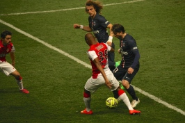 Young player Toure confronting David Luiz and Maxwell with Silva on the alert @CelinaLafuenteDeLavotha