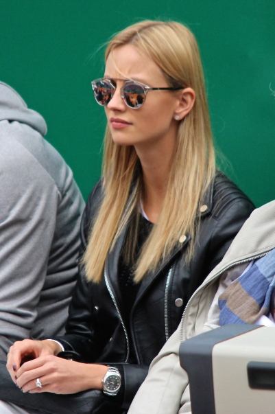 Berdych's fiancee model Ester Satorova sporting her beautiful engagement ring Apr 19, 205 MCRM @CelilnaLafuenteDeLavotha