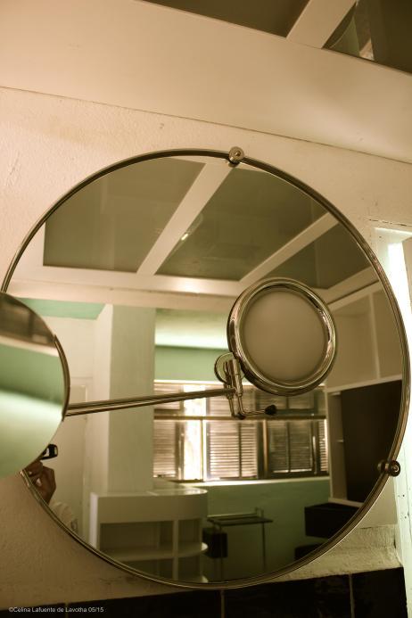 Mirror reflecting the room @CelinaLafuenteDeLavotha 05/2015