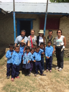 M. Kulman, coordinator of MAP and Namaste projects in Rigaon, Nancy Dotta, Donatella Campioni, Director of Rigaon high-school and Ruth McLoughlin with the school children @MAP