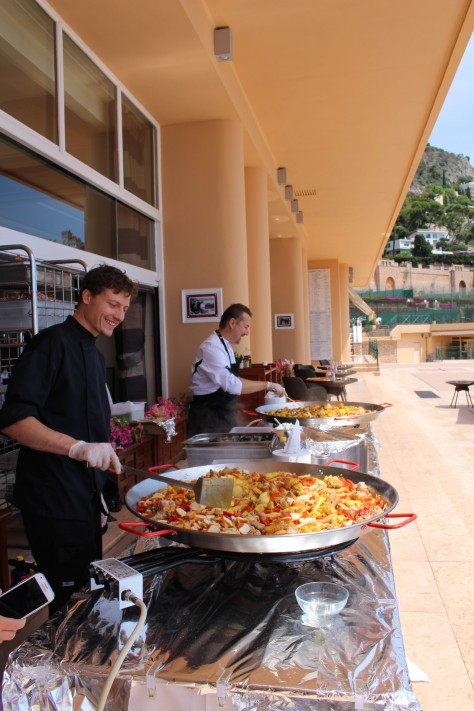 A delicious paella for the participants in the tournament @CelinaLafuenteDeLavotha