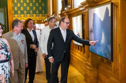 Exhibition photos Sergey Khvorostov visited by HSH Prince Albert II @MOM