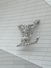 Louis Vuitton insigne @CelinaLafuenteDeLavotha2015