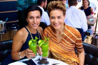 """With Naomi at Beef Bar toasting with our Detox """"Mojito"""""""