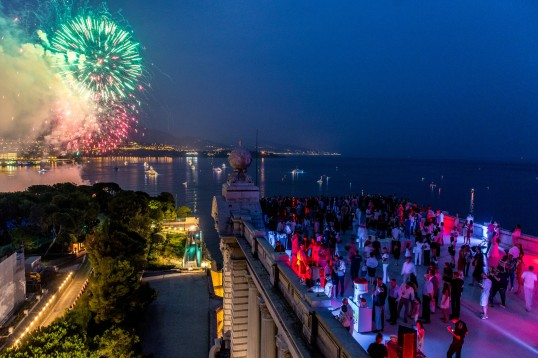 Watching the fireworks on the roof top of the Oceanographic Museum of Monaco @Phiippe Fitte