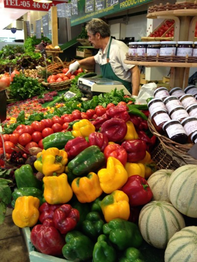 A rainbow of fresh peppers @CelinaLafuenteDeLavotha