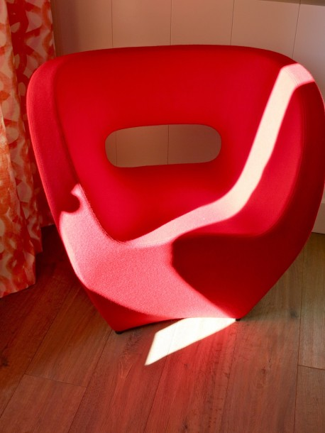A sun kissed red chair @CelinaLafuenteDeLavotha
