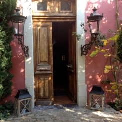 An open door is an invitation @CelinaLafuenteDeLavotha