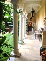 The corridor with the columns @CelinaLafuenteDeLavotha