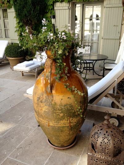 The old vase in the courtyard @CelinaLafuenteDeLavotha