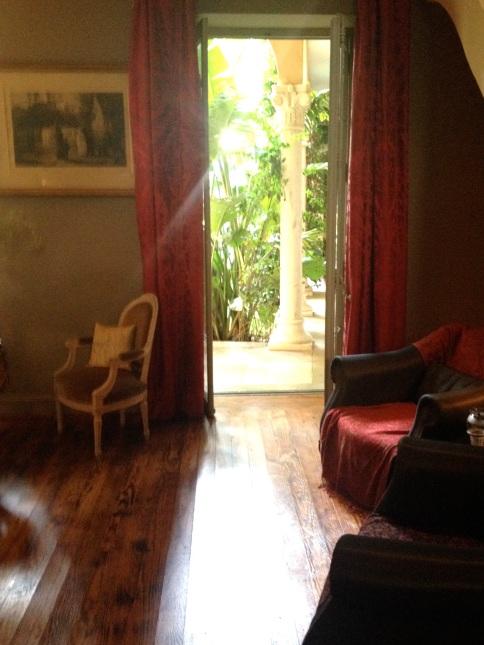 The sun waking up the living room at Secret Gardens @CelinaLafuenteDeLavotha