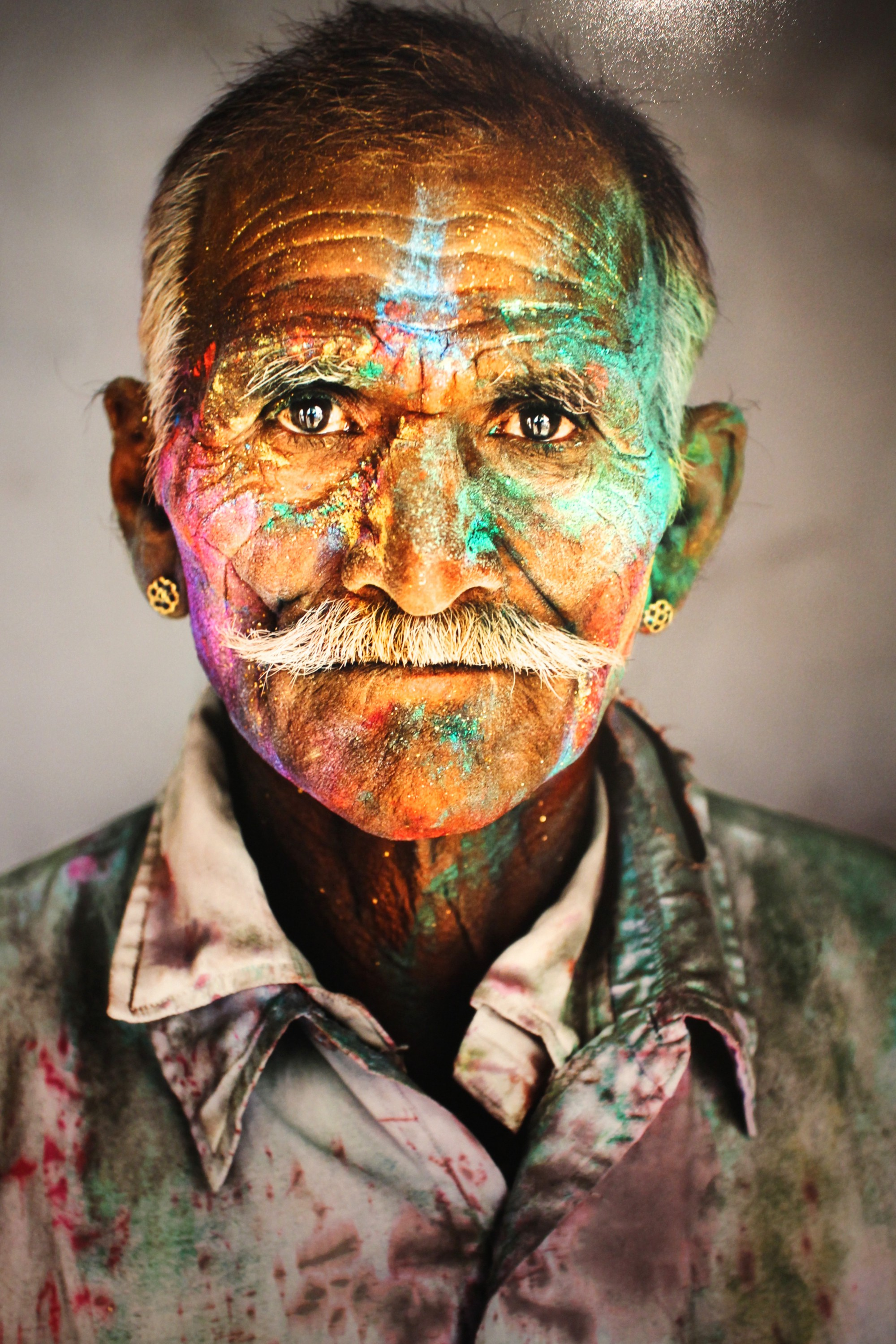 portrait of a man by steve mccurry  celinalafuentedelavotha