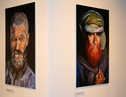 Two photos by Steve McCurry exposed in Monaco @CelinaLafuenteDeLavotha