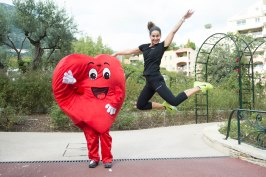 A runner with the Heart mascot during the NFL-2015@Andre Faure