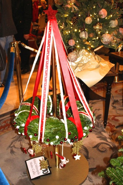 Christmas Tree No.10 - Gourmet Christmas Tree with certificates for dinner at Joel Robuchon and dinner at Yoshi by Hotel Metropole Monte-Carlo @CelinaLafuenteDeLavotha