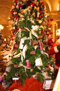 Christmas Tree No.27 by le MC Bay Hotel with Cinq Mondes beauty care products @CelinaLafuenteDeLavotha