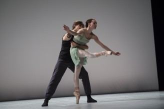 Olga Smirnova and Artem Ovcharenko Pas de deux by Bolchoi Ballet dancers at the Inattendus December 2015 Salle Garnier (1) @Alice Blangero