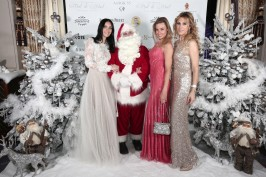 Santa Claus surrounded by elegant ladies at the Christmas Ball @laurentcia