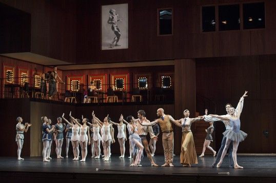 Students of the Princess Grace Dance Academy with dancers of the Monte-Carlo Ballet in Nutcracker Company 2015@Alice Blangero